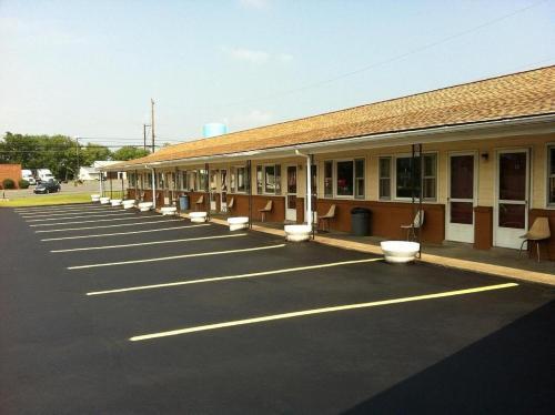 Knights Inn - Mifflintown - Mifflintown, PA 17059