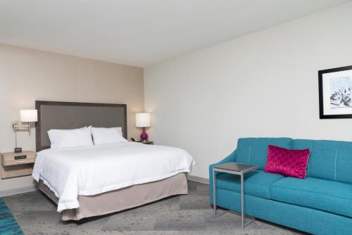Hampton Inn & Suites By Hilton Chicago Schaumburg Il - Schaumburg, IL 60173