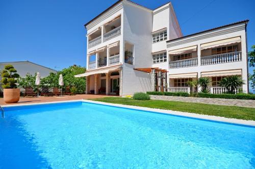 Apartments Sinisa