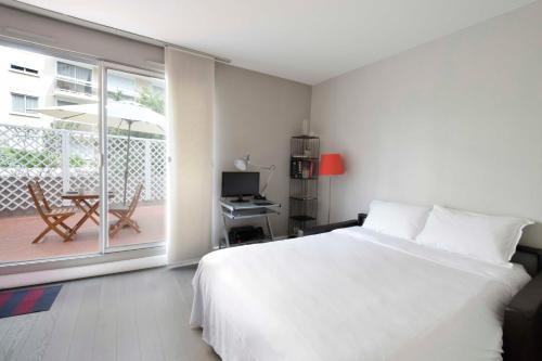 Parisian Home - Appartements Montparnasse photo 15