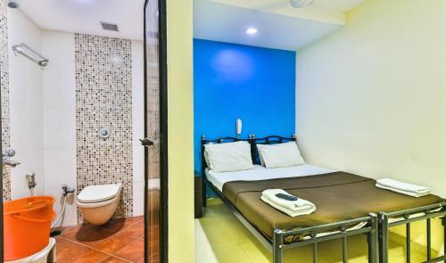 HotelDecent Guest House