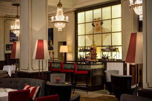 Hotel Astoria - 7 of 149