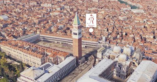 Calle Fiubera, San Marco 951, 30124 Venice, Italy.
