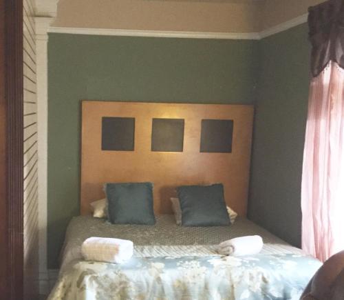 LA Room Rental Photo