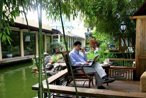 Jianguo Hotel photo 27