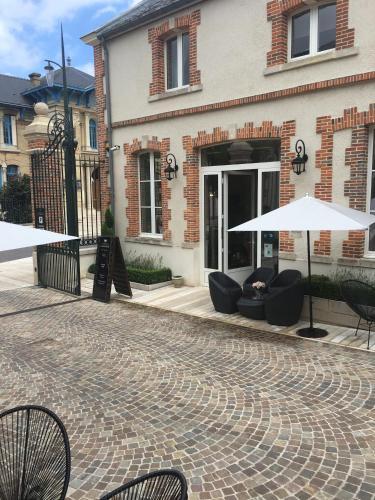 champagne andr berg re chambre d 39 h tes 40 avenue de champagne 51200 pernay adresse horaire. Black Bedroom Furniture Sets. Home Design Ideas