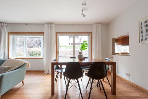 Three-bedroom On N North Park Avenue Apt C Ii