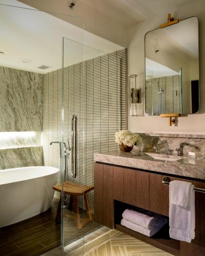 Kimpton Riverplace Hotel Photo