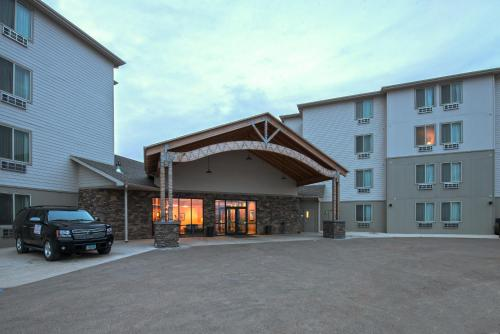 Ramada By Wyndham Williston Airport