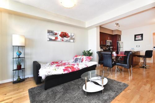 Applewood Suites - Luxury Downtown Condo - Toronto, ON M5J 0A9
