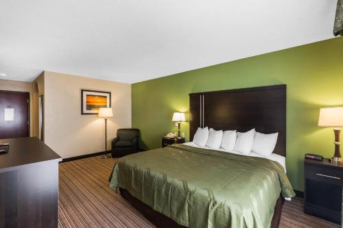 Quality Inn & Suites Granbury Photo