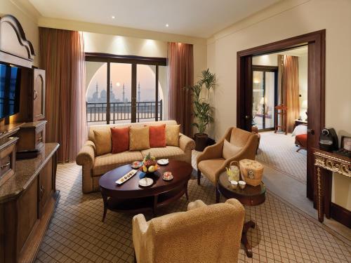 Shangri-La Hotel, Qaryat Al Beri photo 41