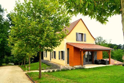 3 Chemin des Merles, 24520 Mouleydier, France.