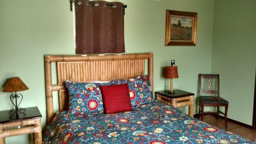 Vinophiliac Bed & Breakfast Photo