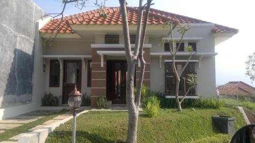 Eben Haezer House In Malang Indonesia Reviews Price From 75 Planet Of Hotels