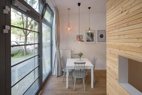 A-HOTEL.com - Modern Design Apartment, Berlin, Deutschland - Online ...