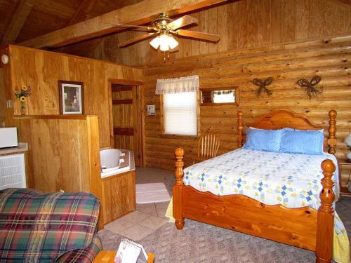 Ridge Top Resort - Eureka Springs, AR 72631