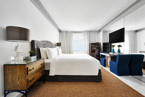 Nautilus Hotel Miami Beach