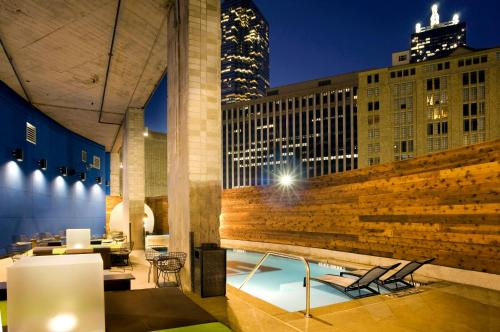 Aloft Dallas Downtown photo 2