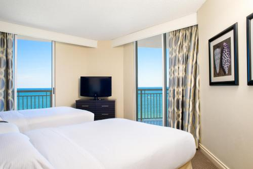 DoubleTree by Hilton Ocean Point Resort & Spa Sunny Isles Photo