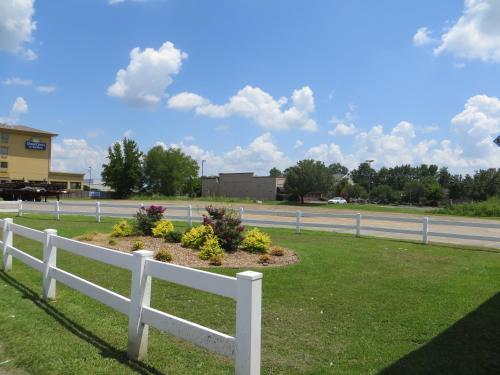 Best Western Inn - Russellville, AR 72802
