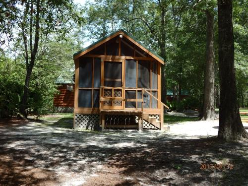 Okefenokee Pastimes Cabins - Folkston, GA 31537