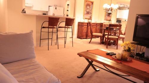 One-bedroom Aventura Yacht Club #204 - Aventura, FL 33180
