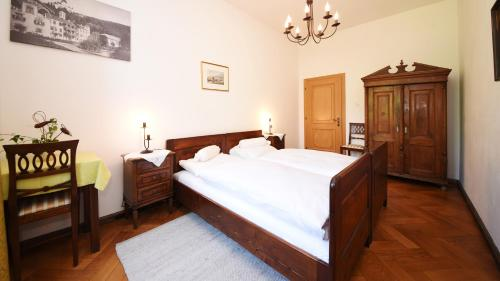 Castel Campan Photo