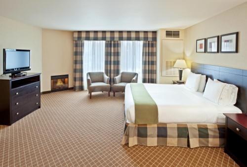 Holiday Inn Express Hotel & Suites Marysville - Marysville, WA 98270