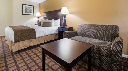 Best Western Plus Oakbrook Inn - Westmont, IL 60559