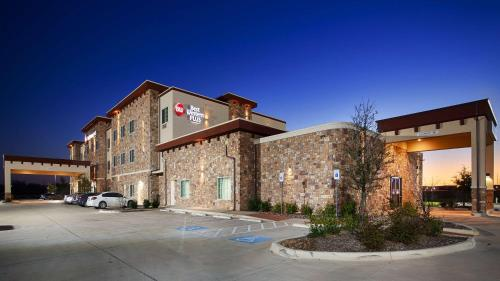 Best Western Plus Fort Worth Forest Hill Inn Suites