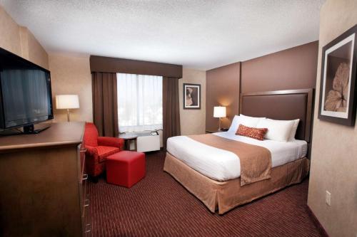 Best Western Plus Cairn Croft Hotel - Niagara Falls, ON L2G 1T6