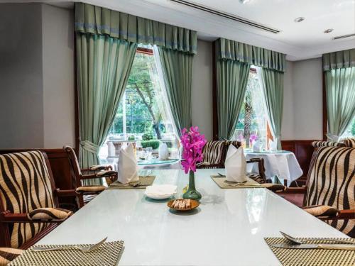 Evergreen Laurel Hotel Sathorn Bangkok photo 65