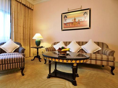 Evergreen Laurel Hotel Sathorn Bangkok photo 73
