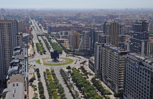 Avinguda de Les Corts Valencianes, 52, Benicalap, 46015 Valencia, Spain.