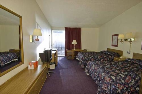 Best Inn - Indianapolis, IN 46217