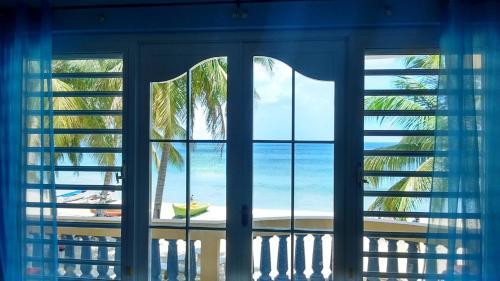 Rompeolas Beach House - Aguadilla, PR 00603