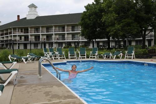 Fairbanks Inn Photo