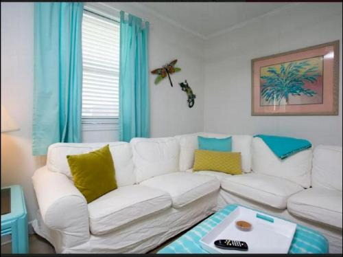 Papous Place - Tybee Island, GA 31328