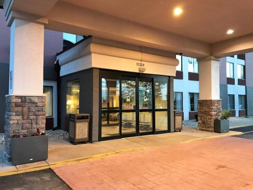 Country Inn & Suites by Radisson, Mt. Pleasant-Racine West, WI Photo
