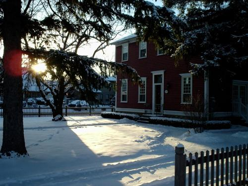 Simcoe Pines - Niagara On The Lake, ON L0S 1J0