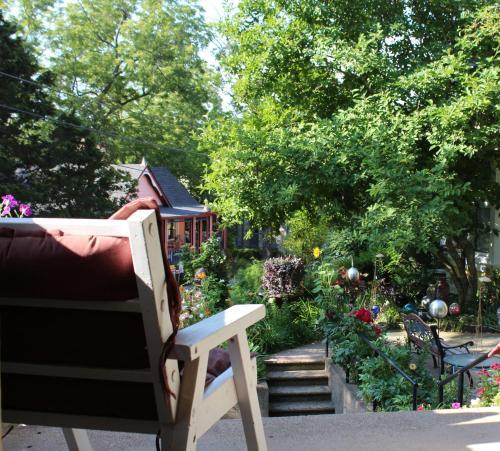 four seasons inn eureka springs