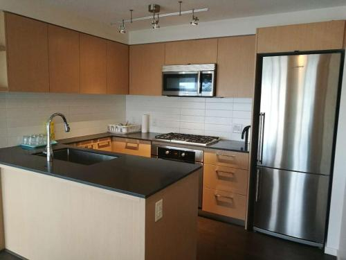 Richmond Apartment Ackroyd - Richmond, BC V6X 2C9