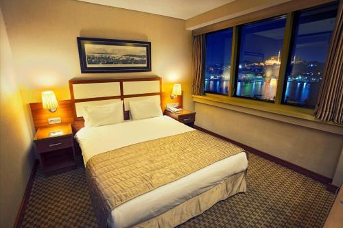 Istanbul Golden City Hotel photo 37
