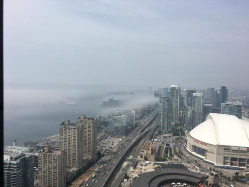 1br Amazing Cn Tower View Condo - Toronto, ON M5J 0B1