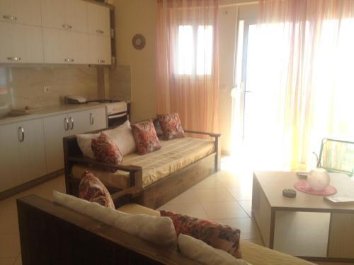 Layo\'s Apartments