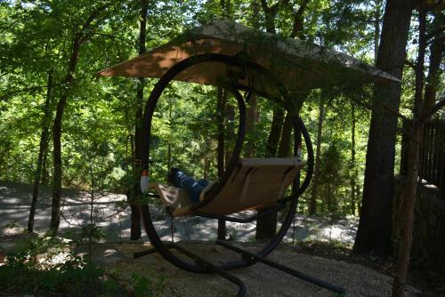 The Woods Cabins - Eureka Springs, AR 72632