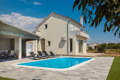 Villa Tonka 859