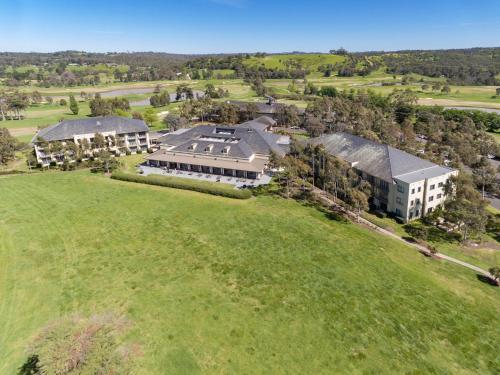 2 Heritage Ave, Chirnside Park VIC 3116, Australia.