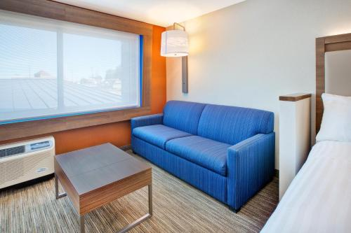 Holiday Inn Express & Suites New Castle - New Castle, PA 16101